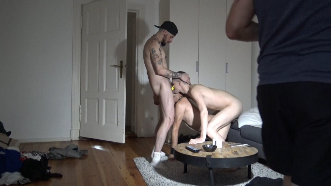 Webcam Porn shoot : Fabien awake with 2 xxl cock