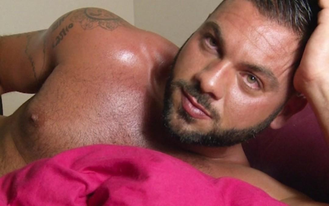 Roberto, sexy stud