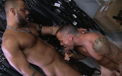 l9147-darkcruising-gay-sex-porn-hardcore-videos-hard-fetish-bdsm-leather-rubber-kinky-perv-bondage-rough-sm-rascal-leather-013