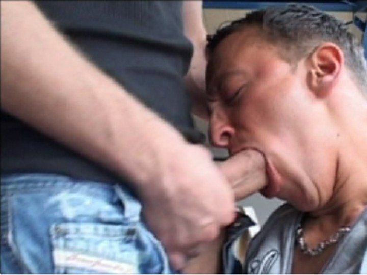 A BLOWJOB FOR THE BOSS