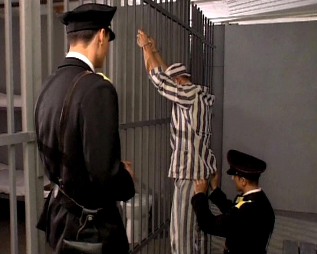 un delinquant deux policiers ca va baiser 01