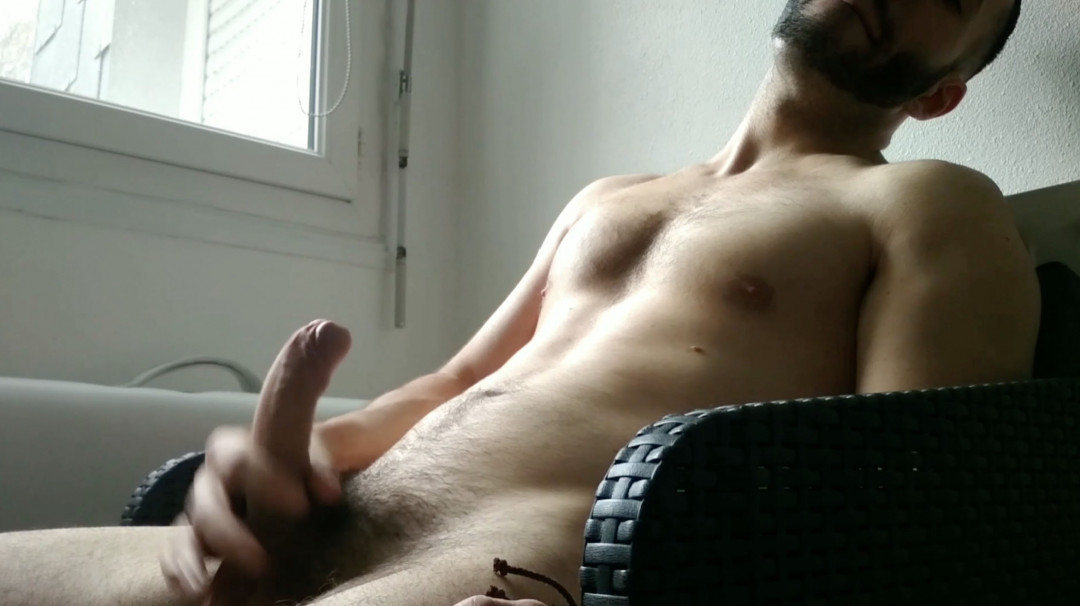 Amaury Evan also has a big juicy cock