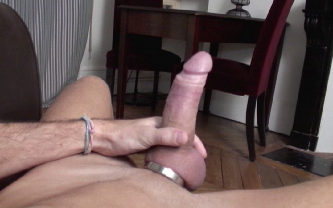 Enzo Di Karina's cock out for a tourist