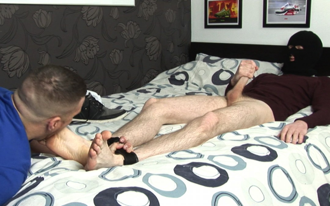 l9251-sketboy-gay-sex-porn-hardcore-videos-skets-sneakers-kiffeurs-trainers-feet-cho7-made-in-uk-scott-xxx-sniff-socks-012