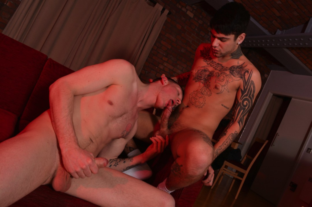 Mickey Taylor's Merciless Bare Pounding of Damien Ryder