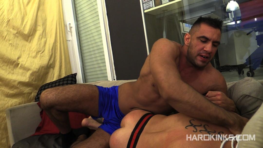 dark-cruising-hard-kinks-gay-porn-hardcore-videos-made-in-spain-bdsm-macho-kinky-bondage-fetish-16