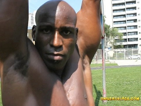 bodybuilded-muscled-black-4
