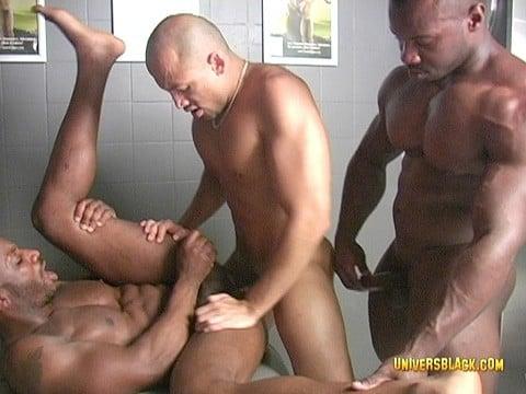 trio black sous la douche ebonyd-17