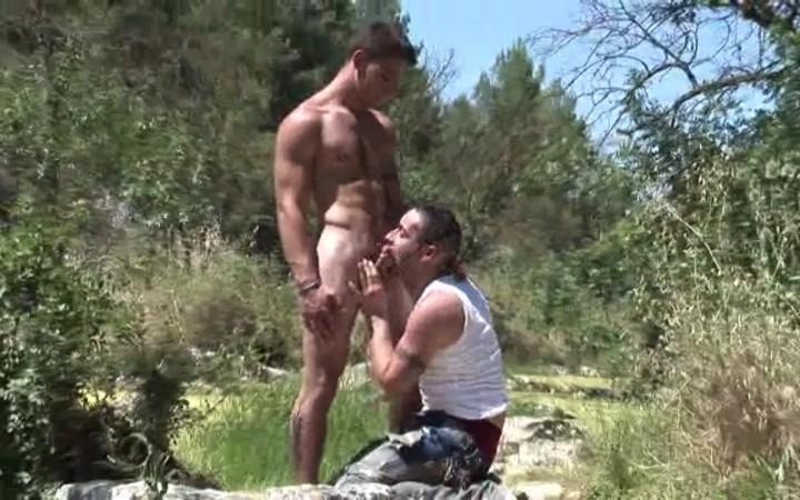Straight boy loses his virginity!