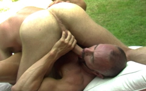 l7289-gay-sex-porn-hardcore-alphamales-out-in-the-open-010