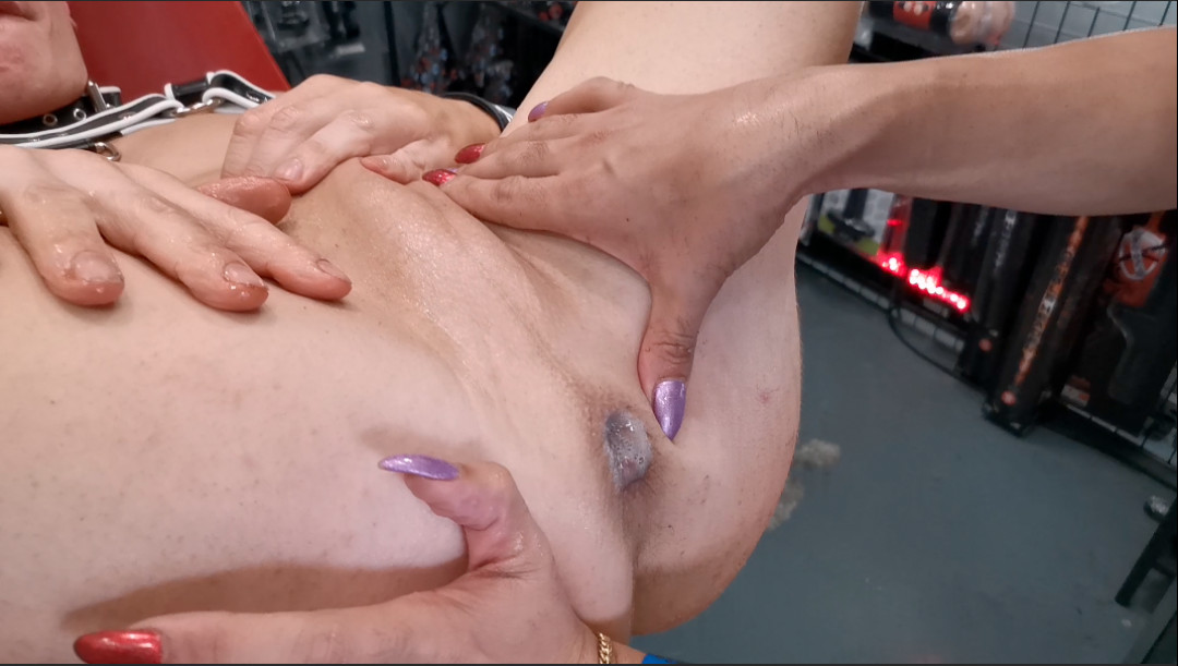 SEX SHOP FIST ORGY