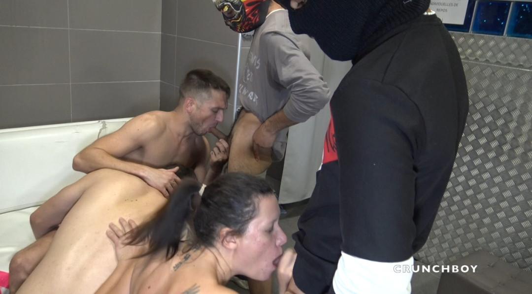 Gang bang d'hétéros piégés par une nana  et un gay