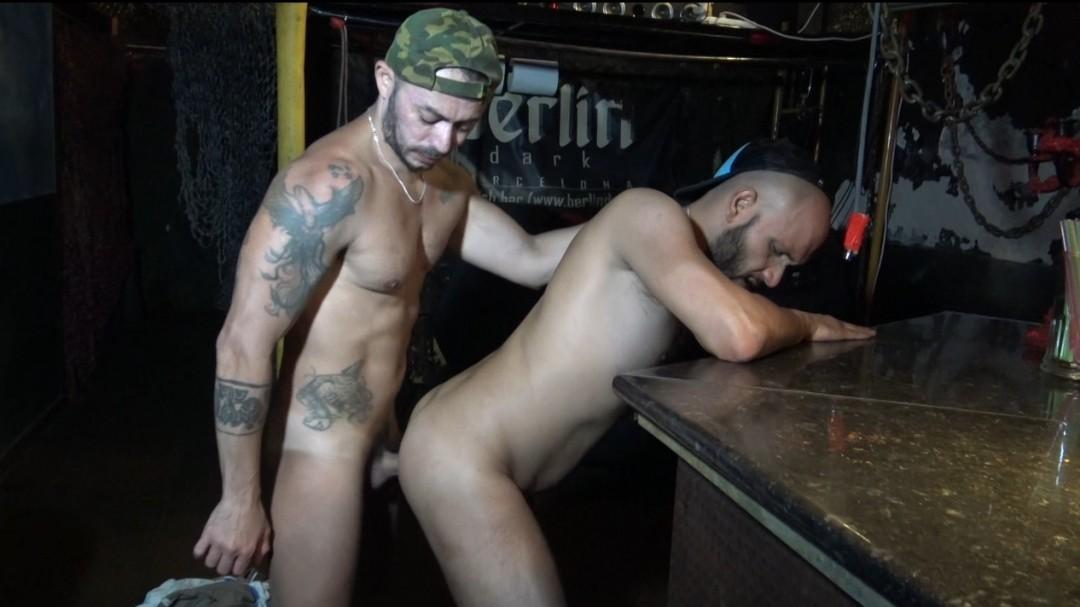 le sexy GOLDBART dosé au Berlin Dark par Benito MASSI