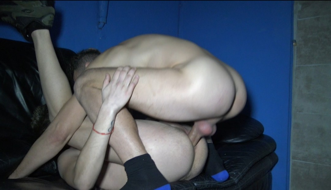 JAMES SILVER fucked bareback by KOLDO GORAN