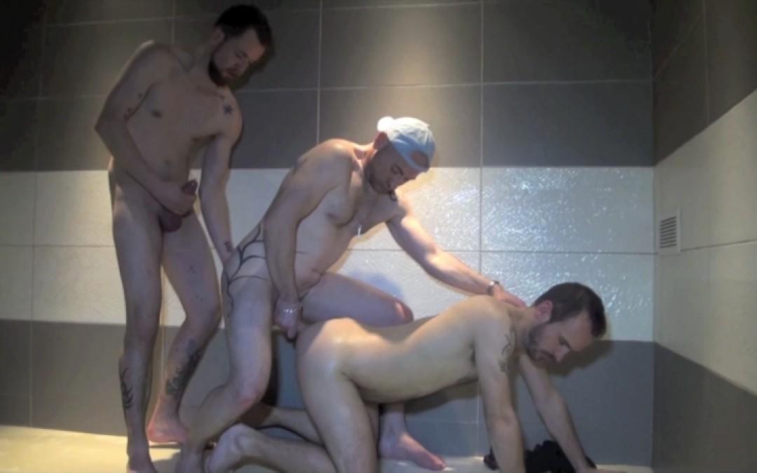 Gang bang on a bottom with Jess ROYAN and WAIKIX