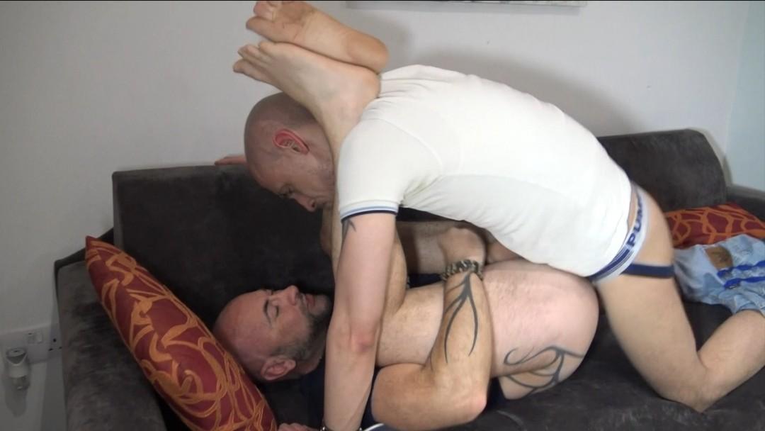 Dosé hard by le fetisboy SKINNBOY de Manchester
