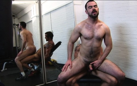l7303-gay-sex-porn-hardcore-alphamales-out-on-the-hit-018