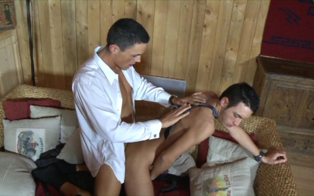 l7739-berryboys-gay-sex-porn-hardcore-videos-made-in-france-twinks-minets-jeunes-mecs-young-boys-stephane-berry-prod-une-baise-presque-parfaite-027