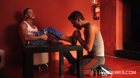 dark-cruising-hard-kinks-gay-porn-hardcore-videos-made-in-spain-bdsm-macho-kinky-bondage-fetish-11