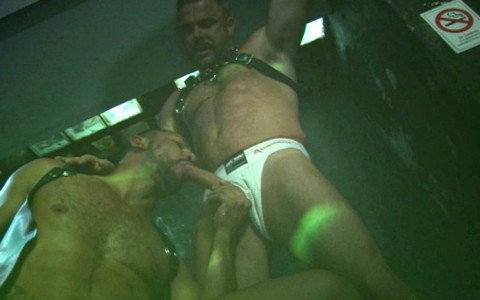 l7360-darkcruising-video-gay-sex-porn-hardcore-hard-fetish-bdsm-alphamales-toolbox-live-012