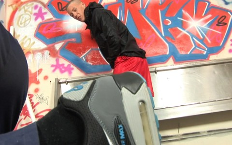l9255-sketboy-gay-sex-porn-hardcore-videos-skets-sneakers-kiffeurs-trainers-feet-cho7-made-in-uk-scott-xxx-sniff-socks-006