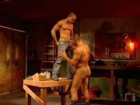 muscles-virils-baise-04