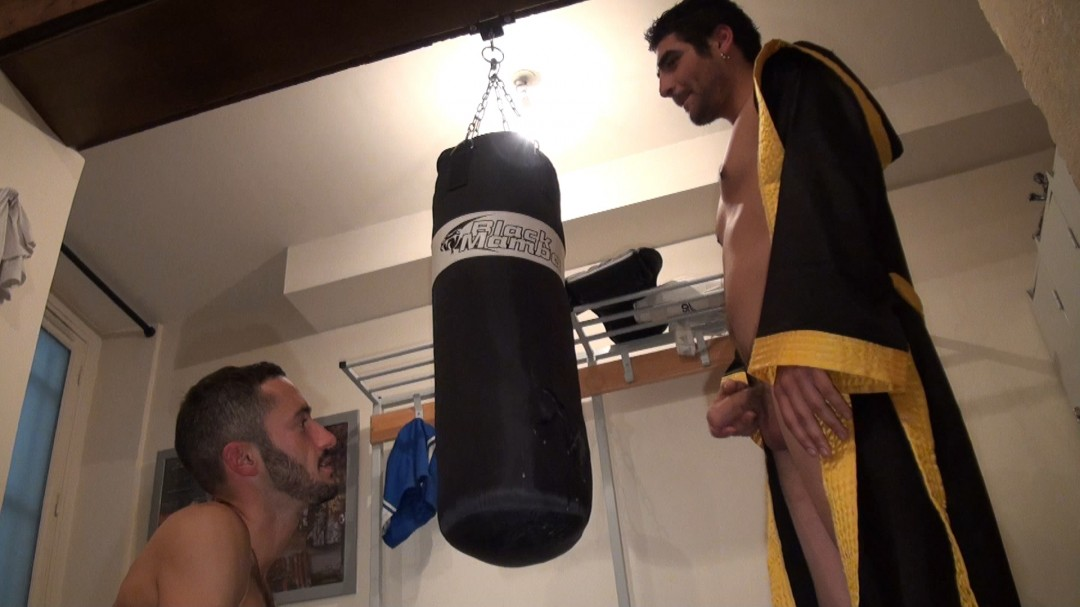 Straight fuck and suck in the box ring