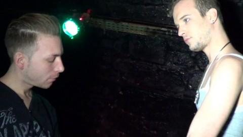 DYLAN FALLEN baise le trou d'un passif de LYON