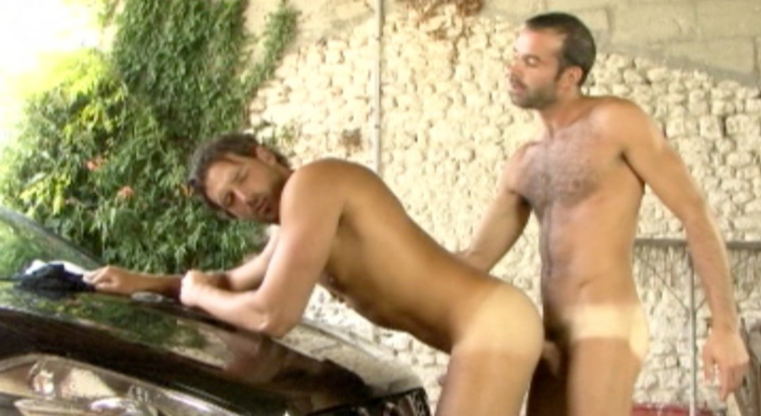 Mike Events destroys top french model Enzo Rimenez
