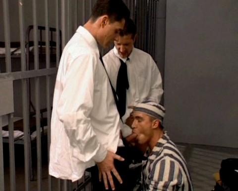 un delinquant deux policiers ca va baiser 02