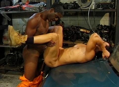 l7202-cazzo-gay-sex-porn-hard-berlin-germany-allemagne-lwechsel-oil-change-008