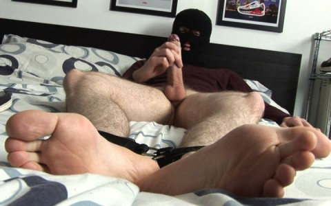 l9251-sketboy-gay-sex-porn-hardcore-videos-skets-sneakers-kiffeurs-trainers-feet-cho7-made-in-uk-scott-xxx-sniff-socks-014