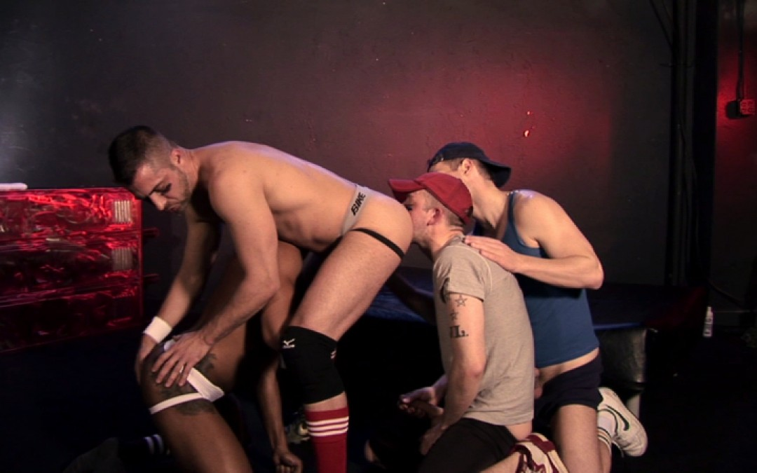 Group fuck for hung and athletic