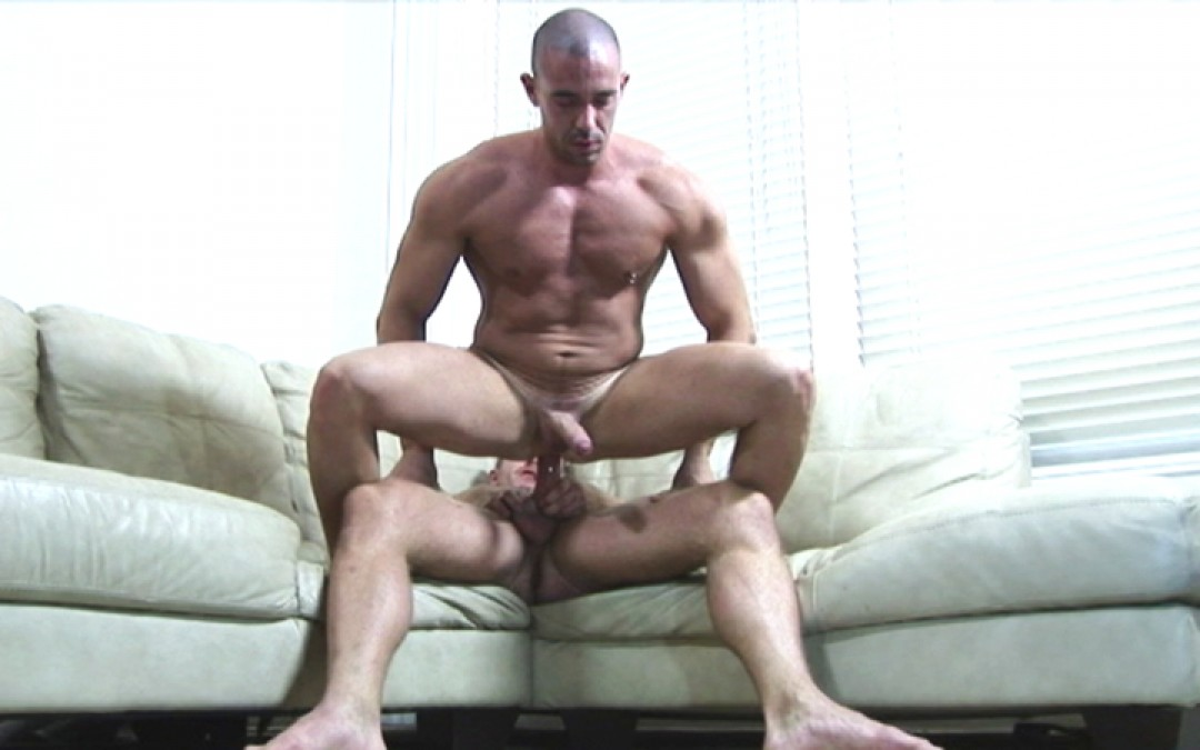 A new trainee for the horny coach