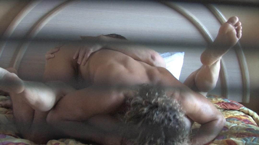 Plan cul filmé en camera cachée