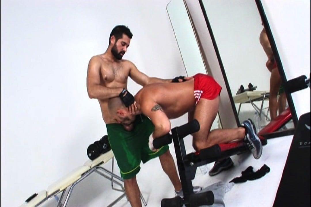 salle de sport beaux muscles et gosses pic06