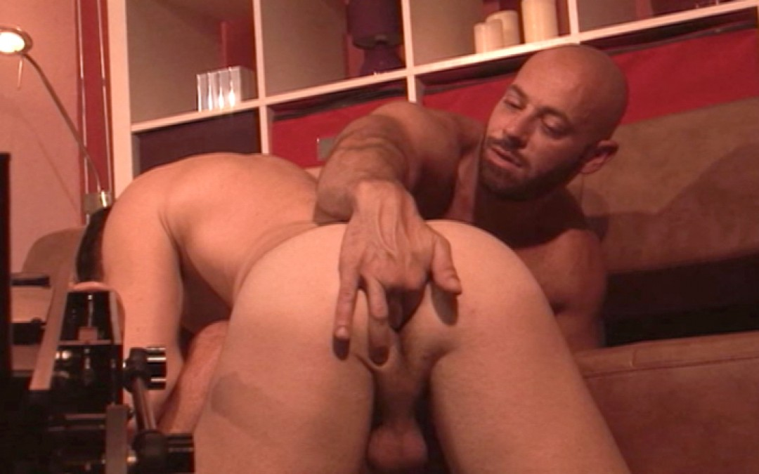 Dean Monore fucked by a machine and his boyfriend