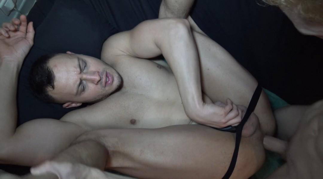 Le 1er porno de Nathan FILK, malentendant
