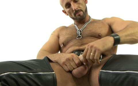 l15743-mistermale-gay-sex-porn-hardcore-fuck-videos-hunks-studs-butch-hung-scruff-macho-06