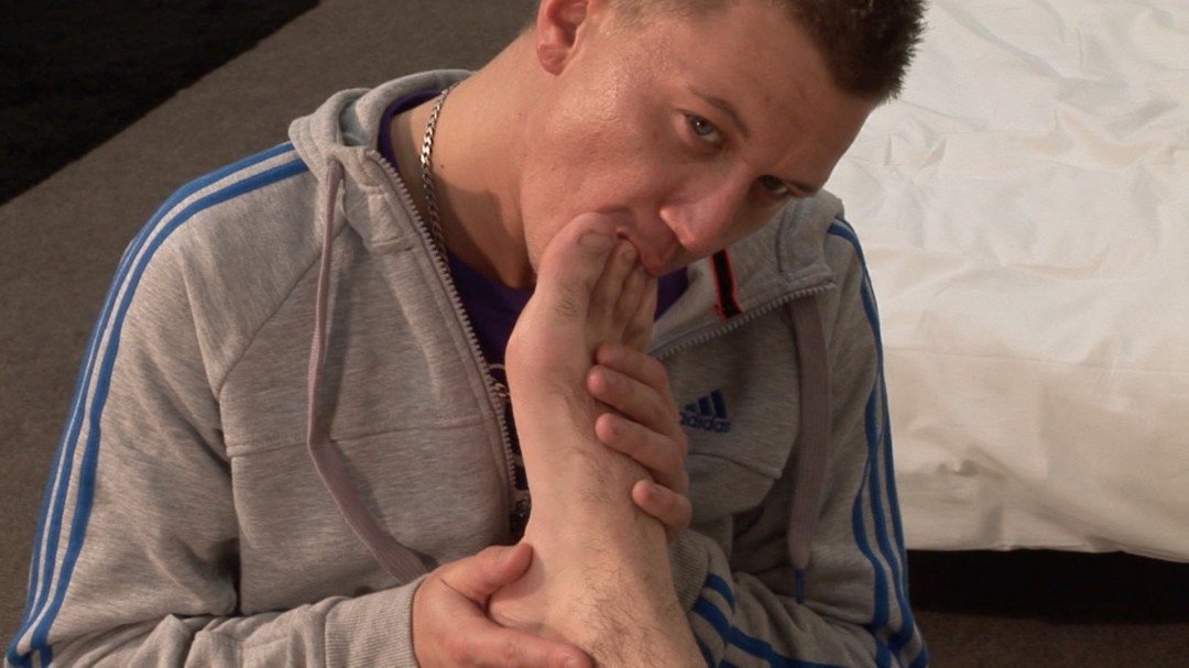 Down on your knees and sniff my feet