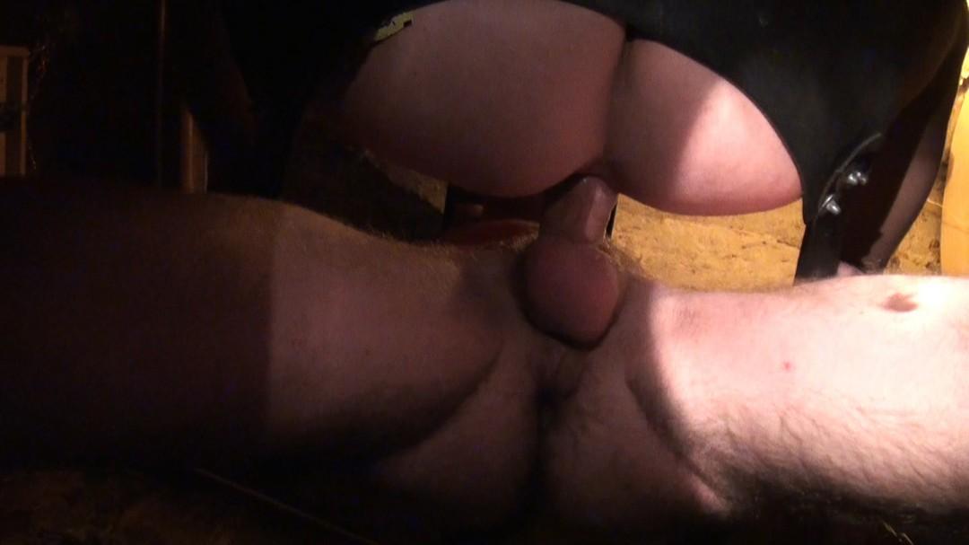 bourré un hétéro se fait sucer par un mec