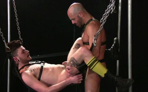 l14232-darkcruising-gay-sex-porn-hardcore-fuck-video-hard-bdsm-fetish-darkroom-fist-leather-rubber-12