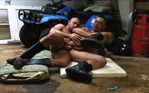 l7299-cazzo-gay-sex-porn-hardcore-alphamales-out-on-the-farm-019