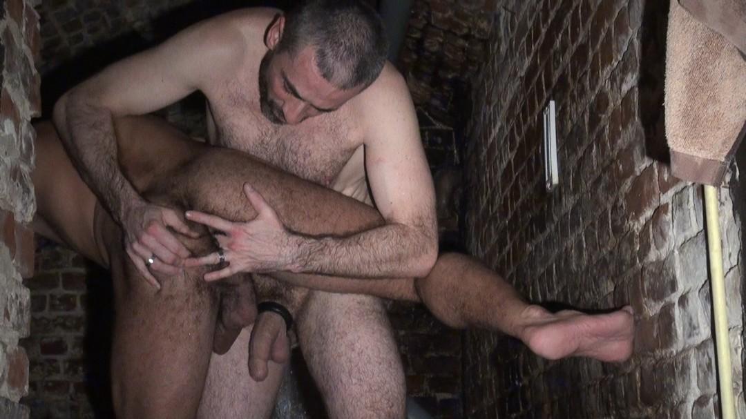 Duel de grosses queues d'hommas matures