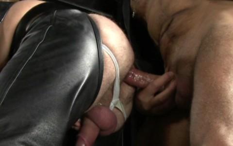 l9181-darkcruising-gay-sex-porn-hardcore-videos-hard-fetish-bdsm-leather-rubber-kinky-perv-bondage-rough-sm-butch-dixon-hairy-leather-daddies-017