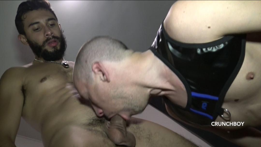 SHAM défoncé par le sexy BARBON