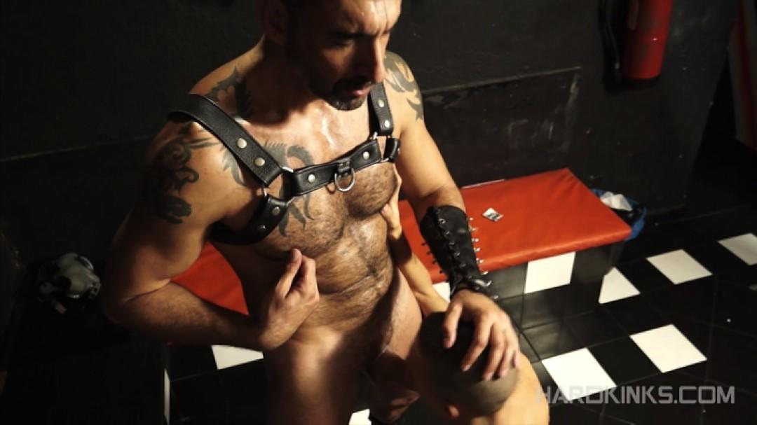 Masters & Slaves 4