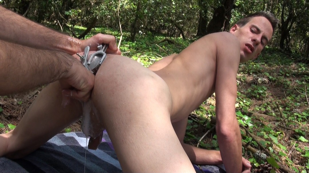 Creampie sperm fist et give all out
