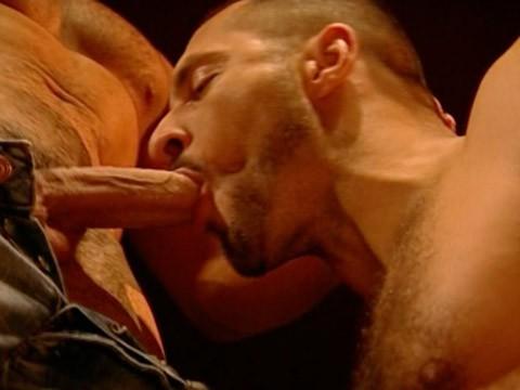 muscles-virils-baise-05