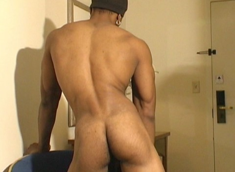l6486-universblack-gay-sex-blacks-flava-patrick-behind-the-photoshoot-011